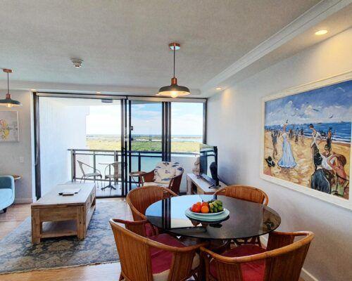 maroochydore-trafalgar-towers-apartments-deluxe-(10)