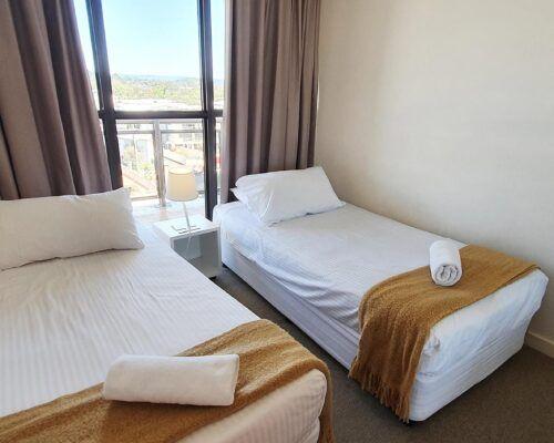 maroochydore-trafalgar-towers-apartments-deluxe-(6)